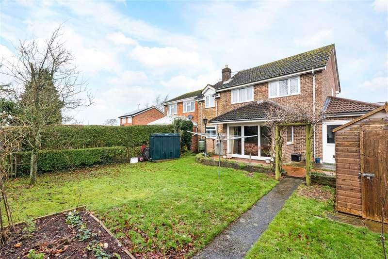 5 Bedrooms Detached House for sale in Webbs Way, Burbage, Marlborough, Wiltshire, SN8