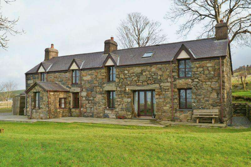 4 Bedrooms Farm House Character Property for sale in Nasareth, Caernarfon