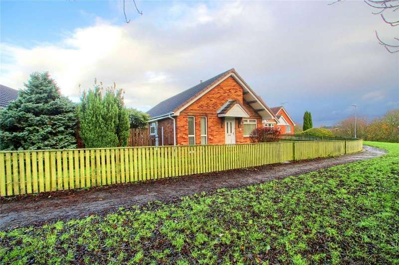 3 Bedrooms Detached Bungalow for sale in Kinloss Walk, Thornaby