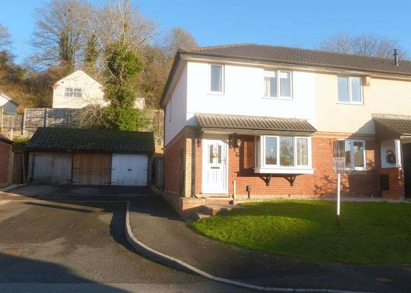 3 Bedrooms Property for sale in Little Close Kingsteignton, Newton Abbot
