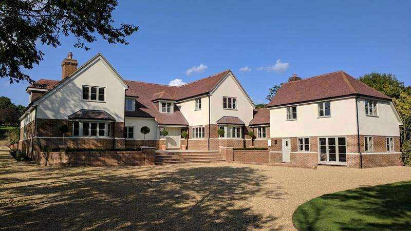 6 Bedrooms Detached House for sale in Glatton, PE28