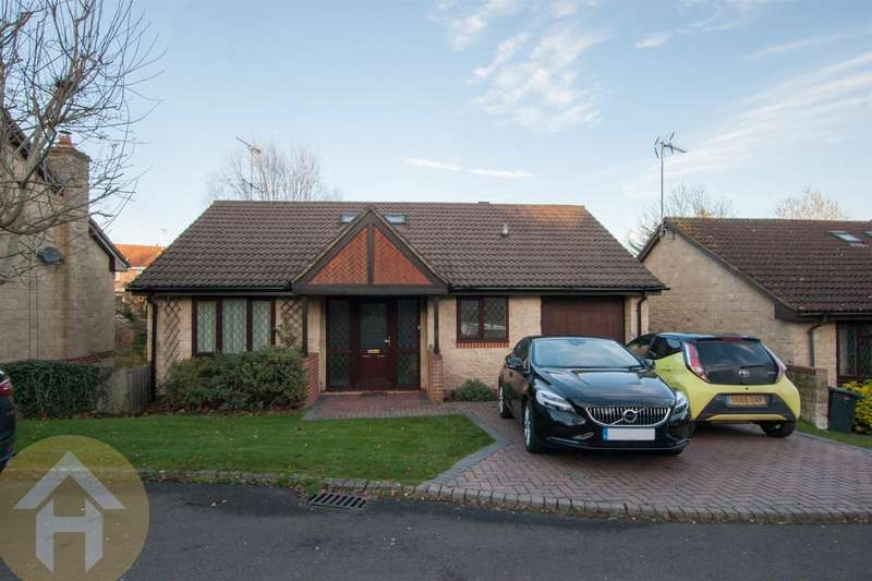 4 Bedrooms Detached House for sale in Fox Brook, Royal Wootton Bassett. SN4