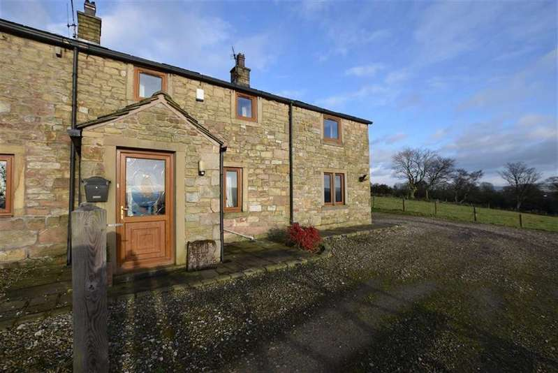 3 Bedrooms Terraced House for rent in Pasture Lane, Barrowford, Lancashire