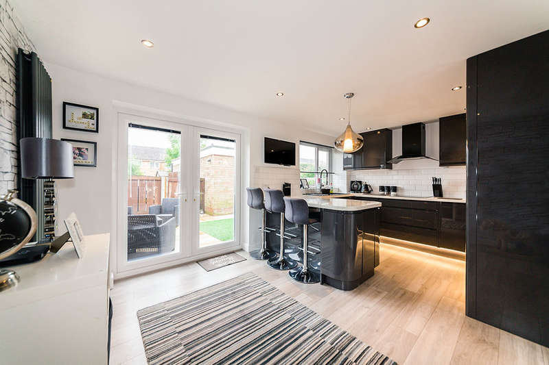 3 Bedrooms Semi Detached House for sale in Princes Walk, Bramhall, Stockport, SK7