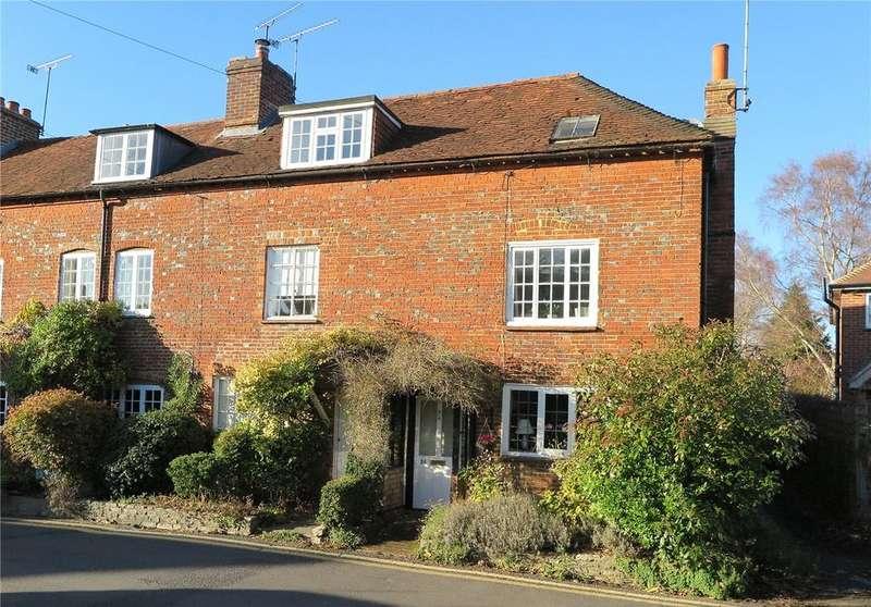 3 Bedrooms End Of Terrace House for sale in Beavers Road, Farnham, Surrey, GU9