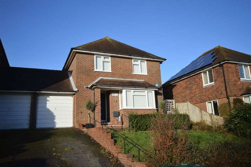 3 Bedrooms Property for sale in Sheepdown Drive, Petworth
