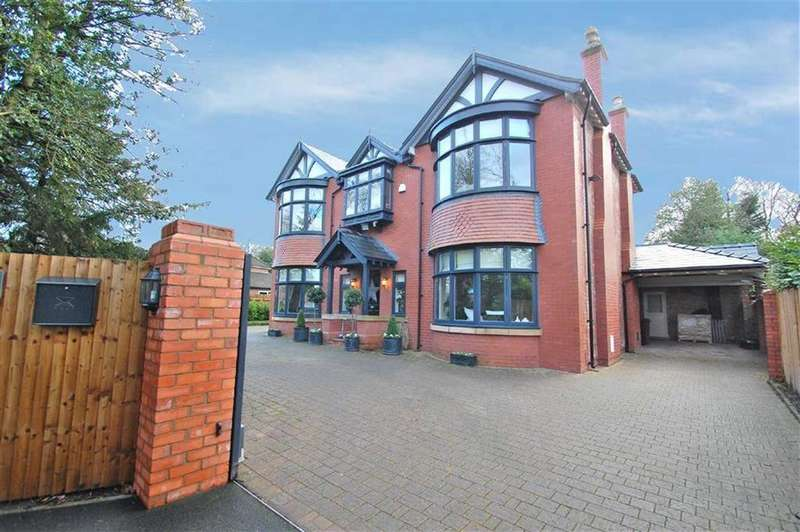 4 Bedrooms Detached House for sale in Robins Lane, Bramhall, Cheshire