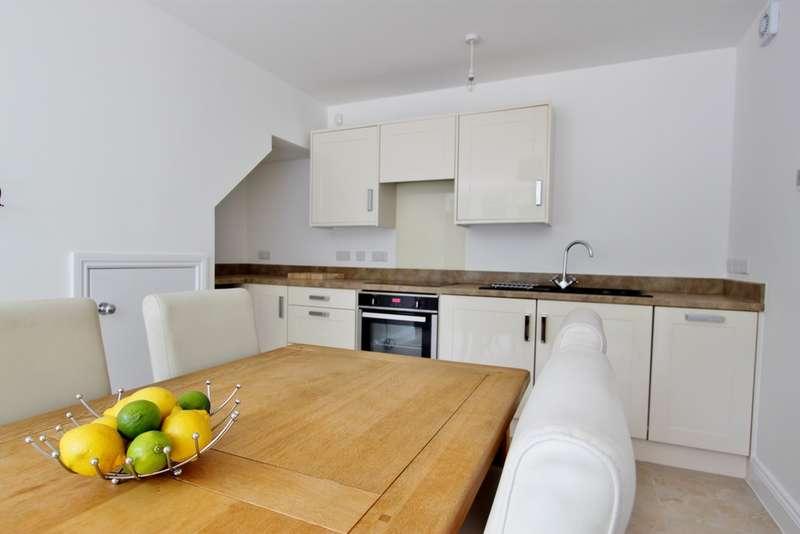 2 Bedrooms Maisonette Flat for rent in Mill Road, Worthing, BN11
