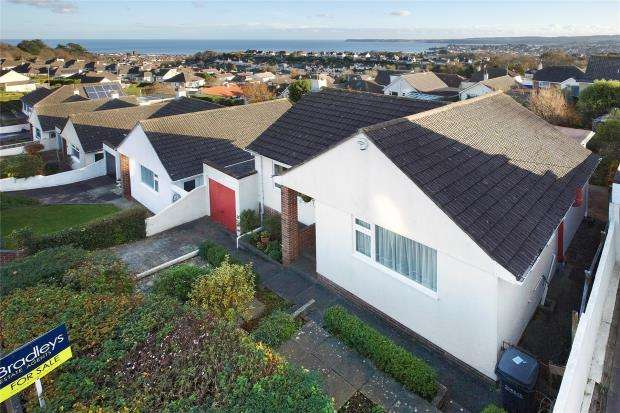 2 Bedrooms Detached Bungalow for sale in Windmill Road, Paignton, Devon