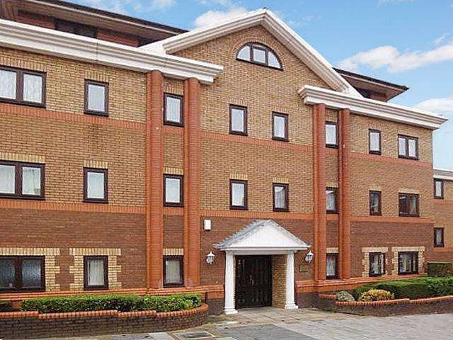 1 Bedroom Apartment Flat for sale in Collingdon Court, Town Centre, Luton, LU1 1ST