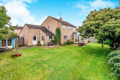 4 Bedrooms Detached House for sale in Arkwright Road, Milton Ernest, Bedford, Bedfordshire