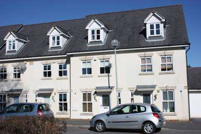 3 Bedrooms Terraced House for sale in Manadon Park, Plymouth, Devon