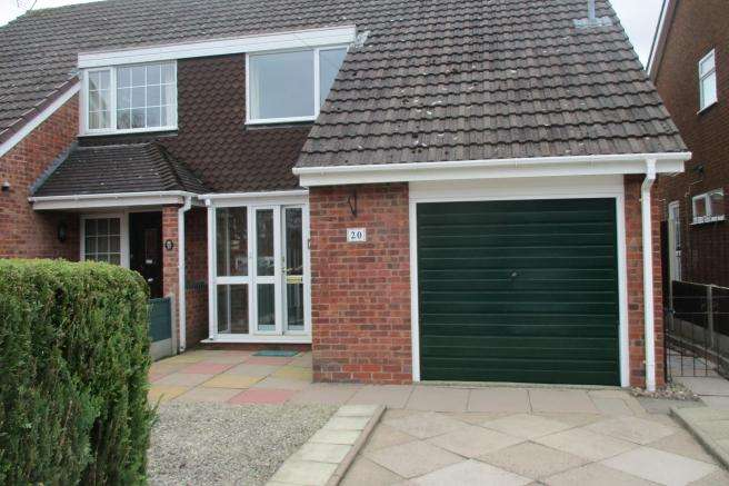 3 Bedrooms Semi Detached House for rent in 20 Harcourt Drive, Newport, Shropshire, TF10 7SA