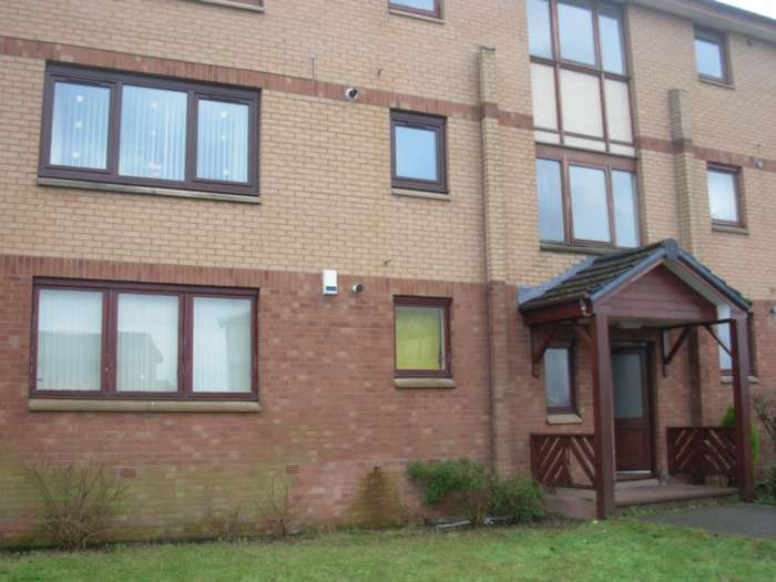 2 Bedrooms Flat for rent in Glencoats Drive, Paisley