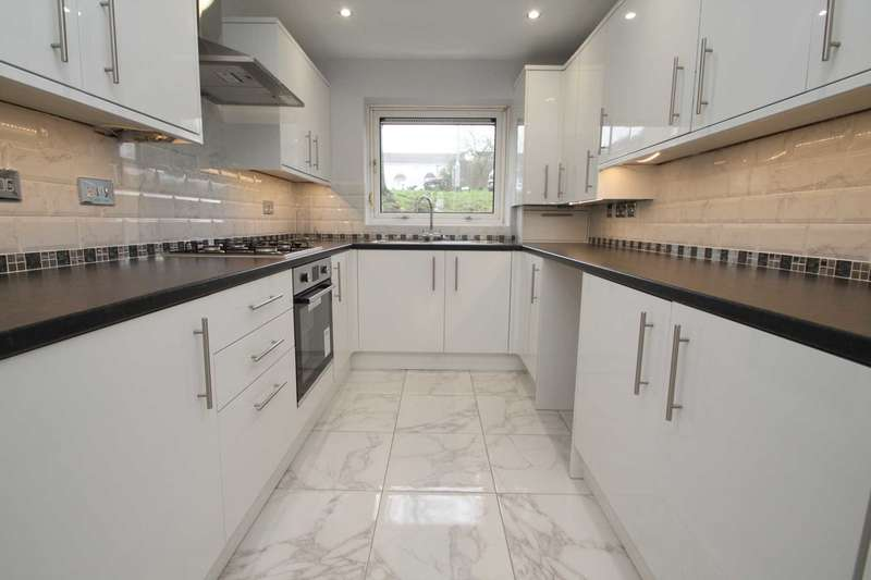 2 Bedrooms Apartment Flat for sale in 2 DOUBLE BEDS with DOUBLE GLAZING & NO CHAIN!