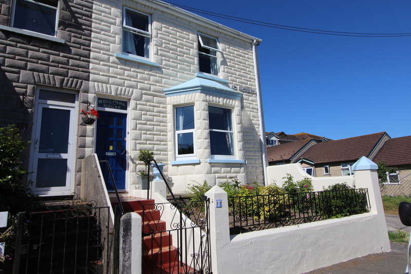 4 Bedrooms End Of Terrace House for sale in Clarence Road, Torpoint
