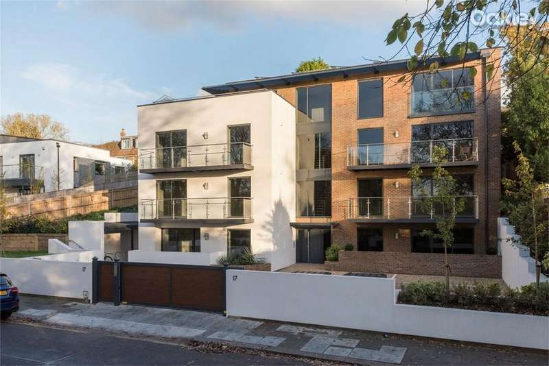2 Bedrooms Flat for sale in Goldstone Crescent, Hove Park