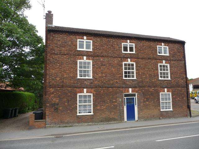 Studio Flat for rent in Church Street, Alford