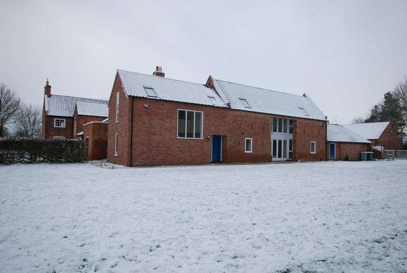 4 Bedrooms Barn Conversion Character Property for rent in Stubbins Barn, Southwell
