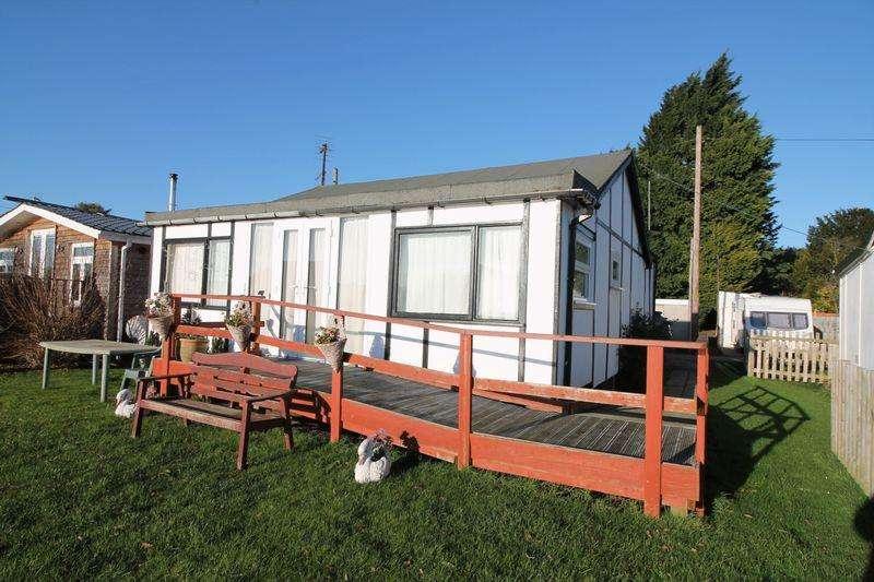 2 Bedrooms Detached Bungalow for sale in The Reservoir, Surfleet