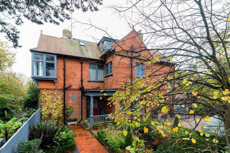 6 Bedrooms Detached House for sale in Lansdowne Road, Worthing, BN11