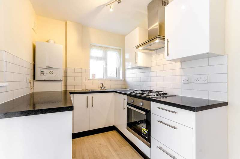 3 Bedrooms Maisonette Flat for sale in Figges Road, Mitcham, CR4