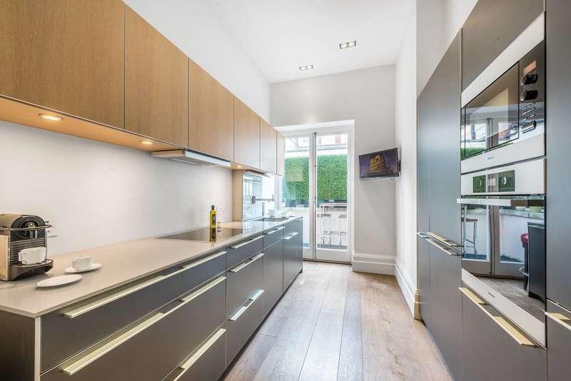 2 Bedrooms Flat for sale in Green Street, Mayfair, W1K