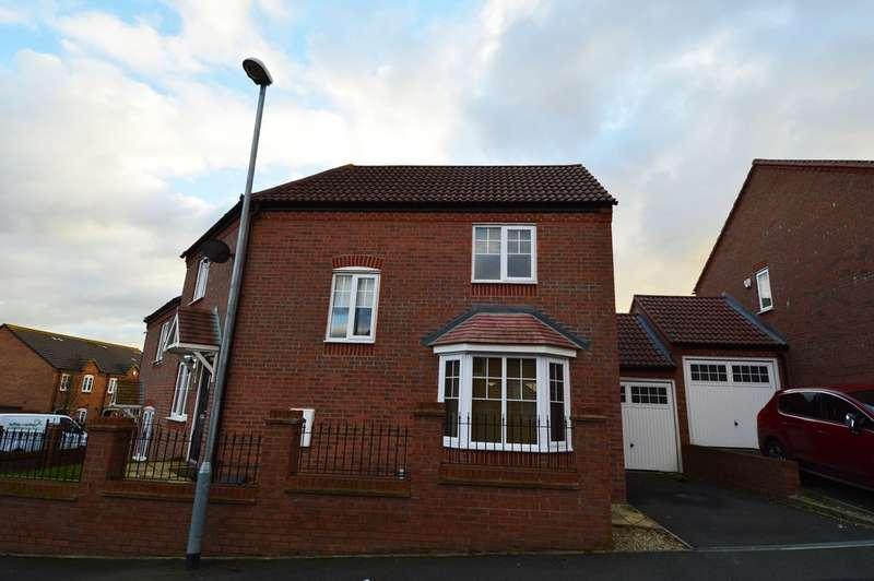 3 Bedrooms Terraced House for rent in Lodge Grove, Northfield, Birmingham, B31