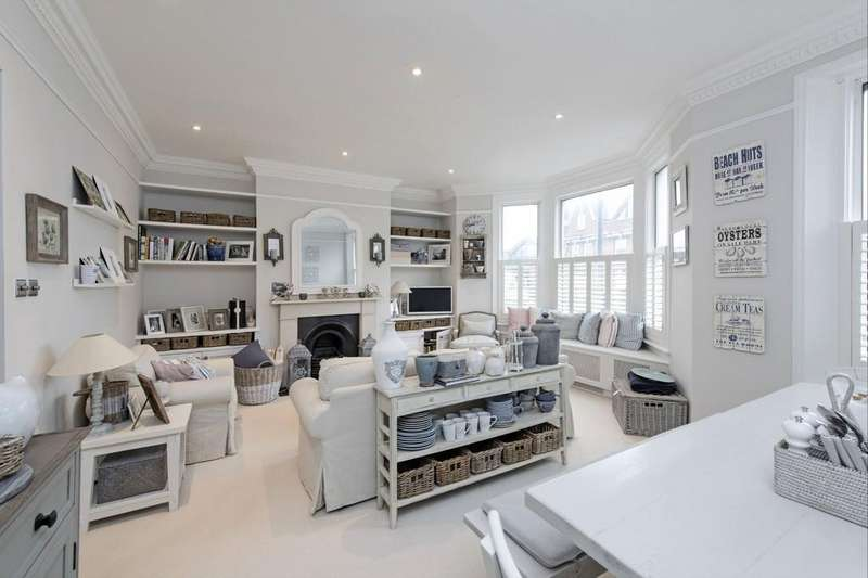 1 Bedroom Flat for sale in Battersea Rise, Battersea, London