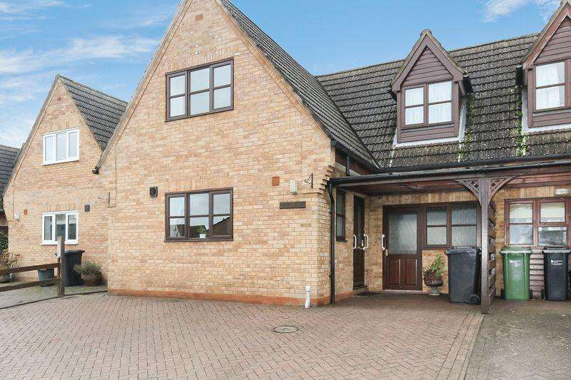 3 Bedrooms Semi Detached House for sale in Damson Tree Close