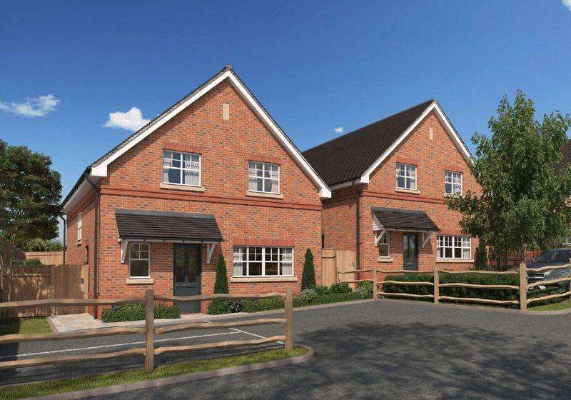4 Bedrooms Detached House for sale in Holly, Henrietta Place