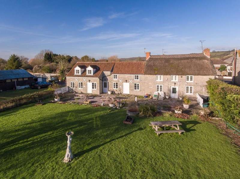 4 Bedrooms Detached House for sale in Compton Dundon
