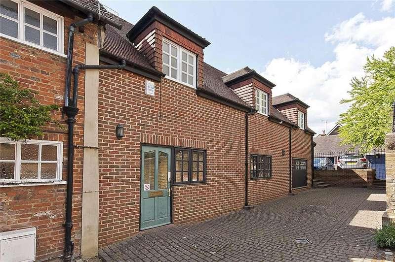 2 Bedrooms Flat for rent in West Street, Farnham, Surrey, GU9