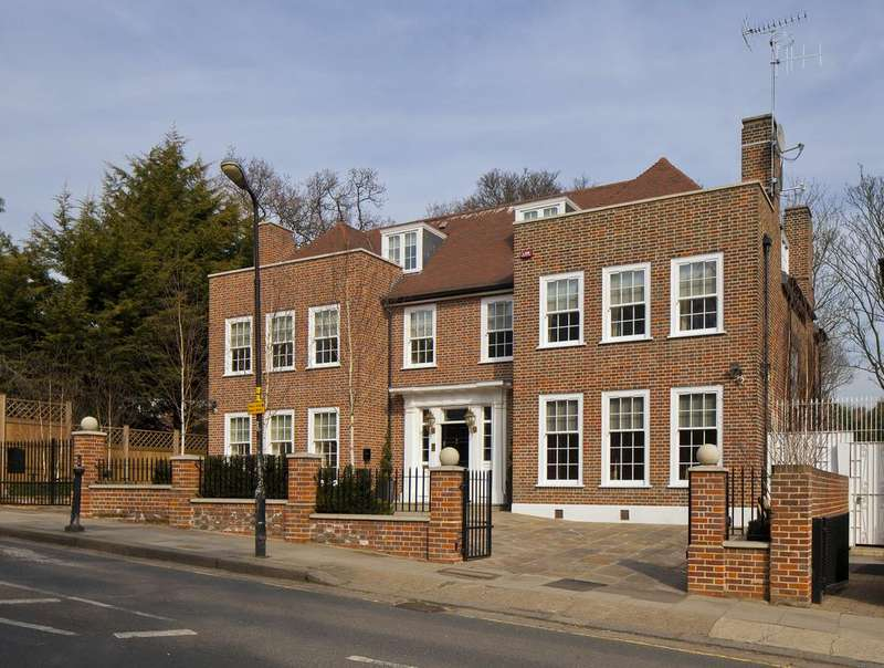 7 Bedrooms Detached House for sale in Hampstead