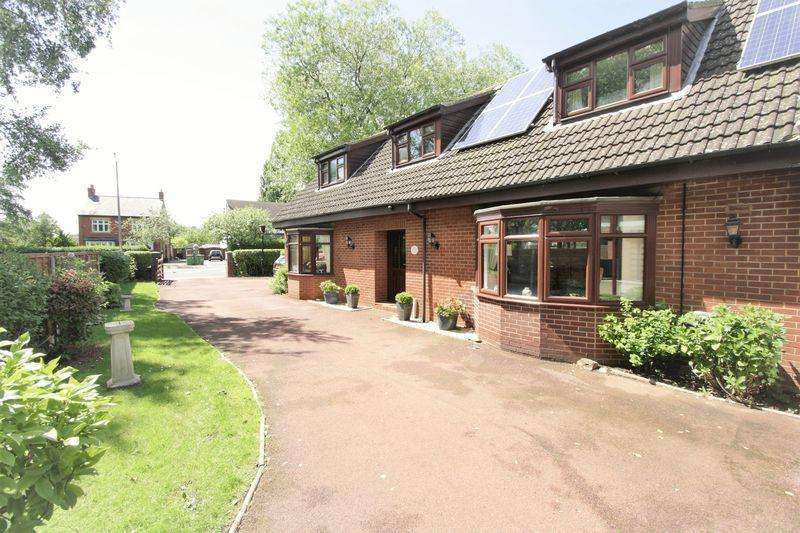 4 Bedrooms Detached House for sale in Thornaby Road, Stockton, TS17 0BN