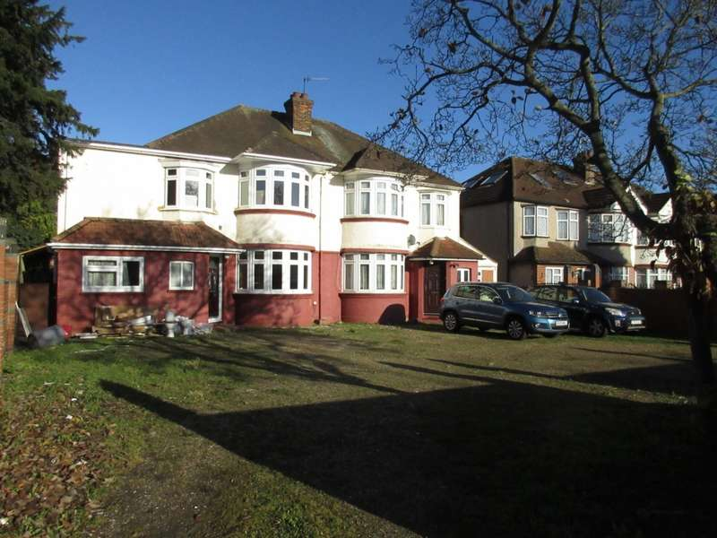5 Bedrooms Semi Detached House for rent in Great West Road, Isleworth, TW7