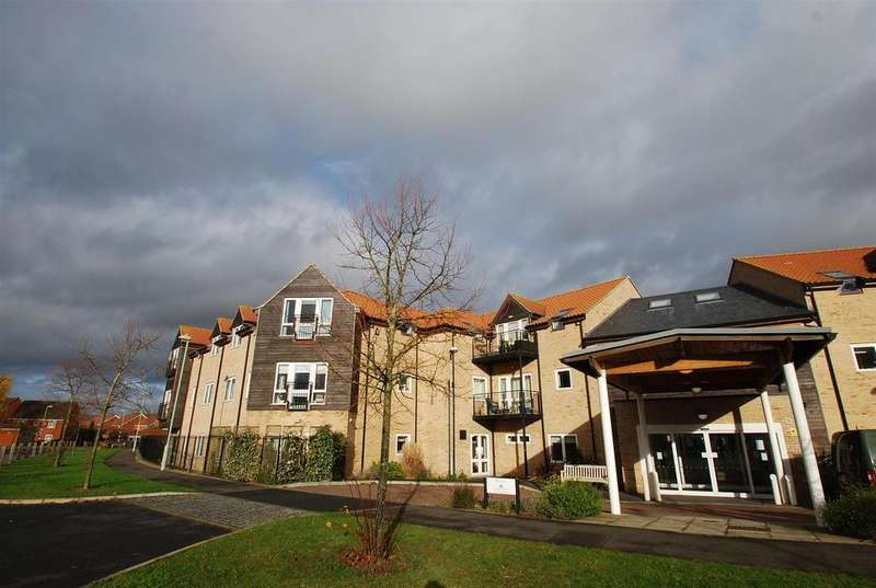 1 Bedroom Flat for sale in Oxlip House, Airfield Road, Bury St. Edmunds