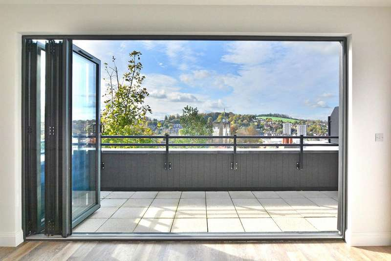 2 Bedrooms Penthouse Flat for sale in Sydenham Road, Guildford
