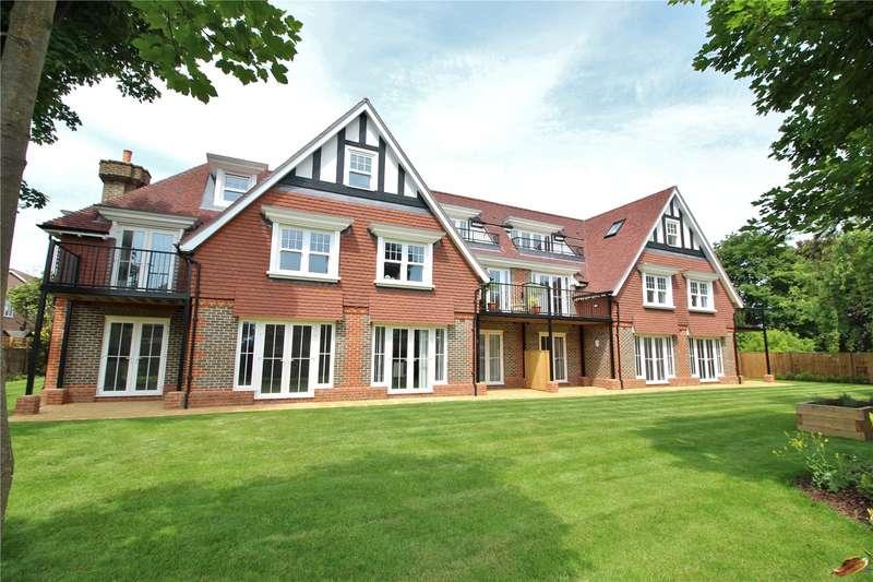 2 Bedrooms Apartment Flat for sale in Hurst Grange, Parkfield Road, Tarring, BN13