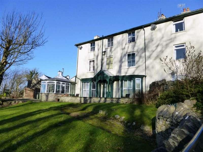 2 Bedrooms Flat for sale in Stankelt House, Emesgate Lane, Silverdale, Lancashire, LA5