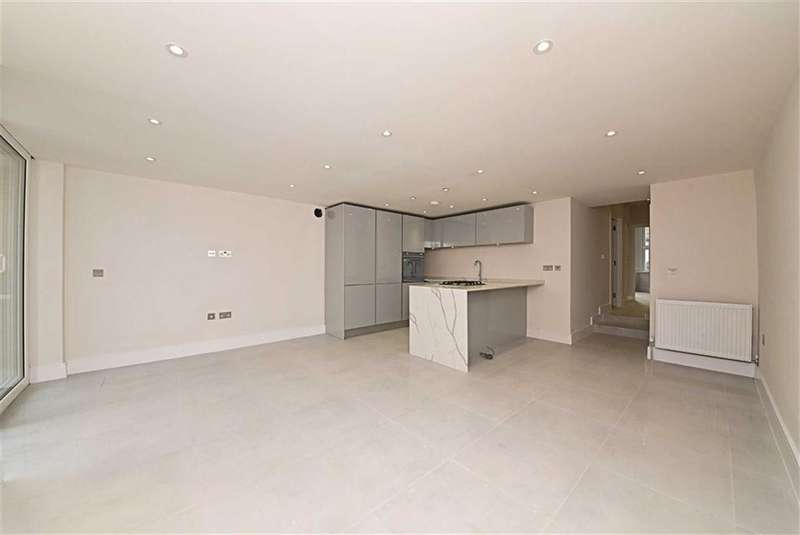 3 Bedrooms Flat for sale in Station Road, Finchley, London, N3