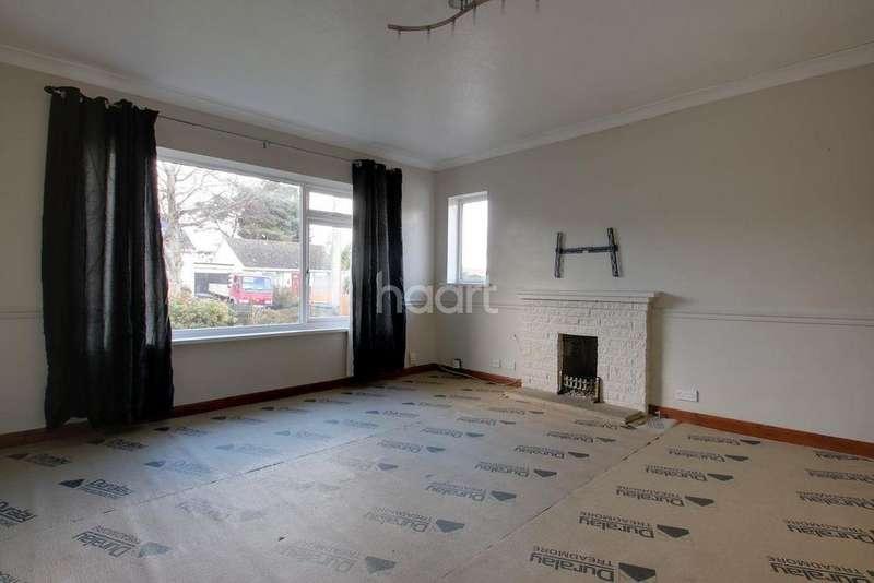 3 Bedrooms Bungalow for sale in James Avenue, Paignton