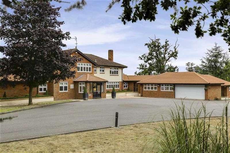 4 Bedrooms Detached House for sale in Bridgefoot Lane, Potters Bar, Herts, EN6
