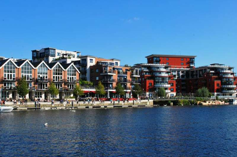 2 Bedrooms Flat for sale in Charter Quay, Wadbrook Street, Kingston upon Thames, KT1