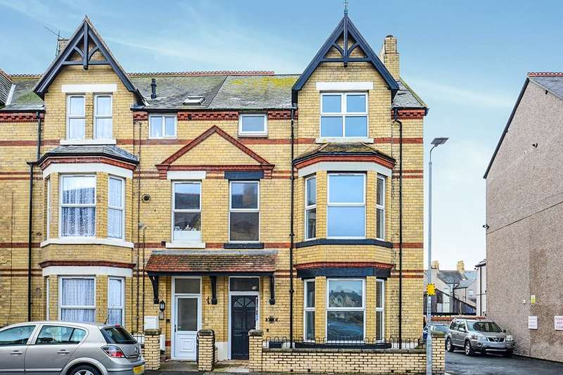 7 Bedrooms Terraced House for sale in John Street, Rhyl, LL18