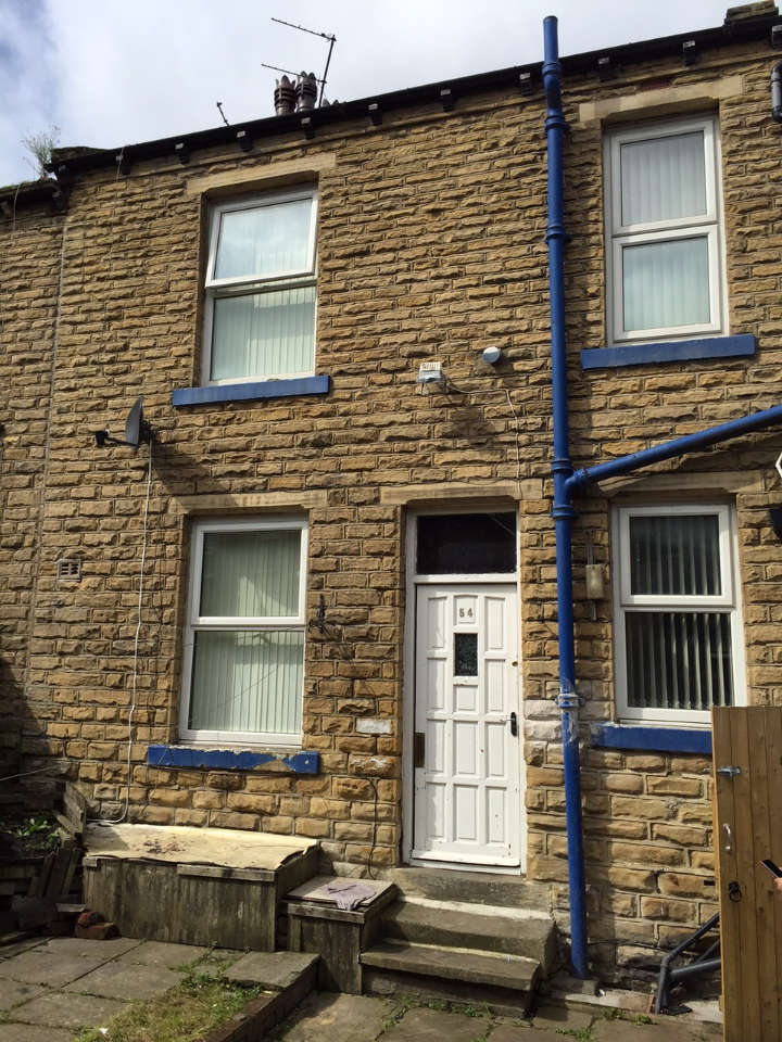 2 Bedrooms Terraced House for sale in Lapage Lapage Street, Bradford, BD3