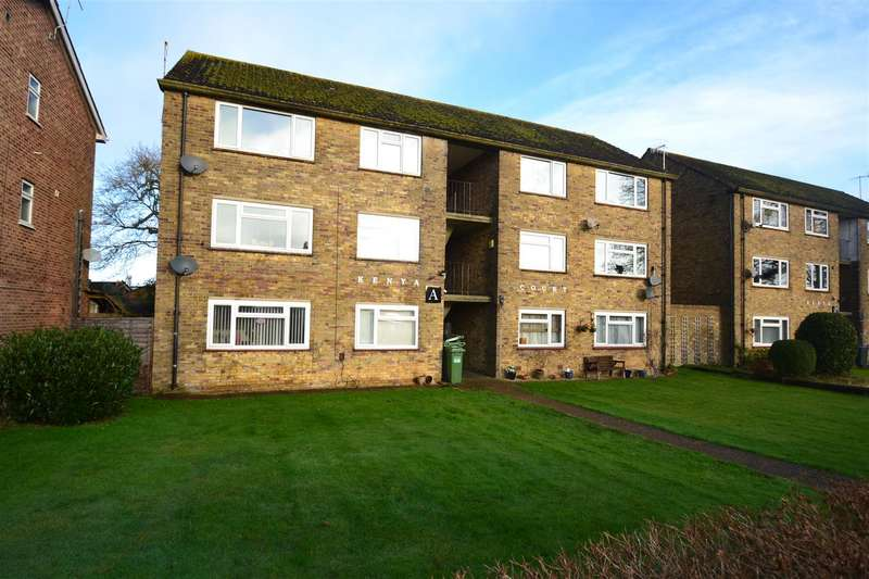 2 Bedrooms Flat for sale in Horley Row, Horley