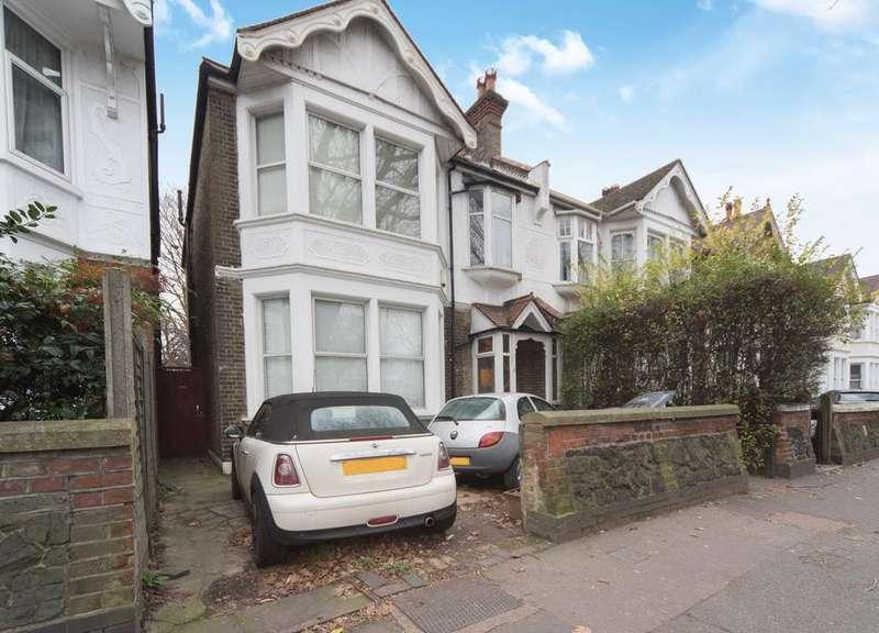 3 Bedrooms House for sale in Fielding Terrace, Ealing