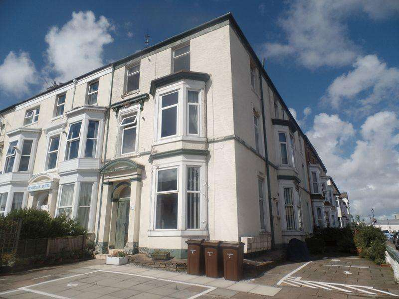 2 Bedrooms Flat for sale in Flat 5, 49 Bath Street, Southport