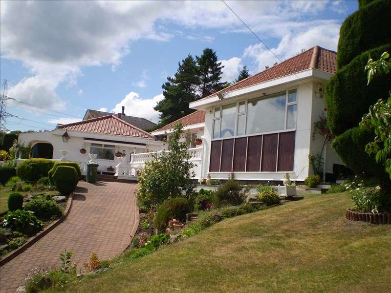 4 Bedrooms Bungalow for sale in Heddon Banks, Heddon-on-the-Wall, Newcastle upon Tyne, Northumberland, NE15 0BU
